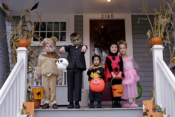 Costumes, crafts, recipes and more in our Spook-tacular October Round-up!