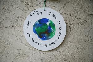 Earth Day craft that anyone can make.