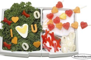 Snacking with  Joy: Bento Box Valentine's Lunch