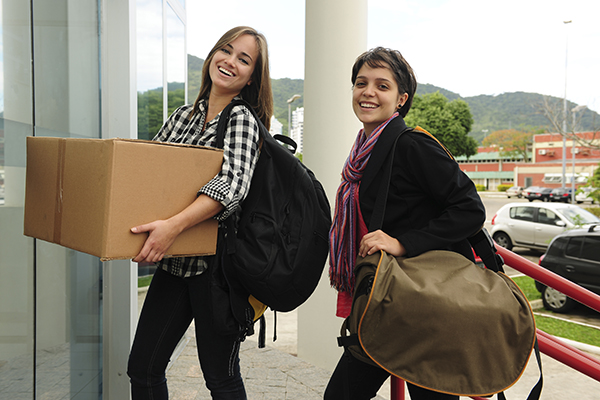 Essential Items for Your Teen's College Packing List