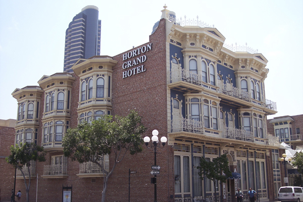 Find 10 haunted places in san diego!