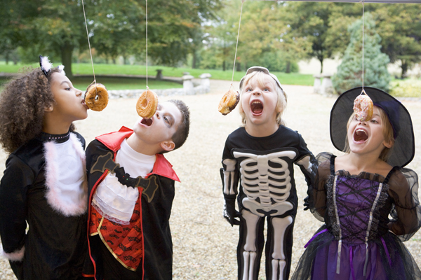 13 halloween party games for kids sm