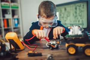 Full STEAM Ahead: 15-Minute STEM Activities